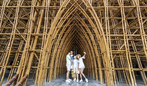 """Hàng vạn du khách háo hức """"check-in"""" 5 kỉ lục Việt Nam tại Phú Quốc United Center 3"""
