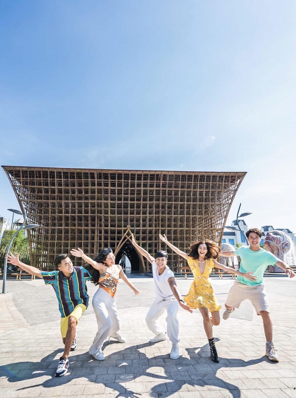 """Hàng vạn du khách háo hức """"check-in"""" 5 kỉ lục Việt Nam tại Phú Quốc United Center 4"""