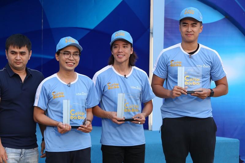 Hoài Phương, Minh Dự, Stefan Nguyễn giúp người nghèo đổi đời 1