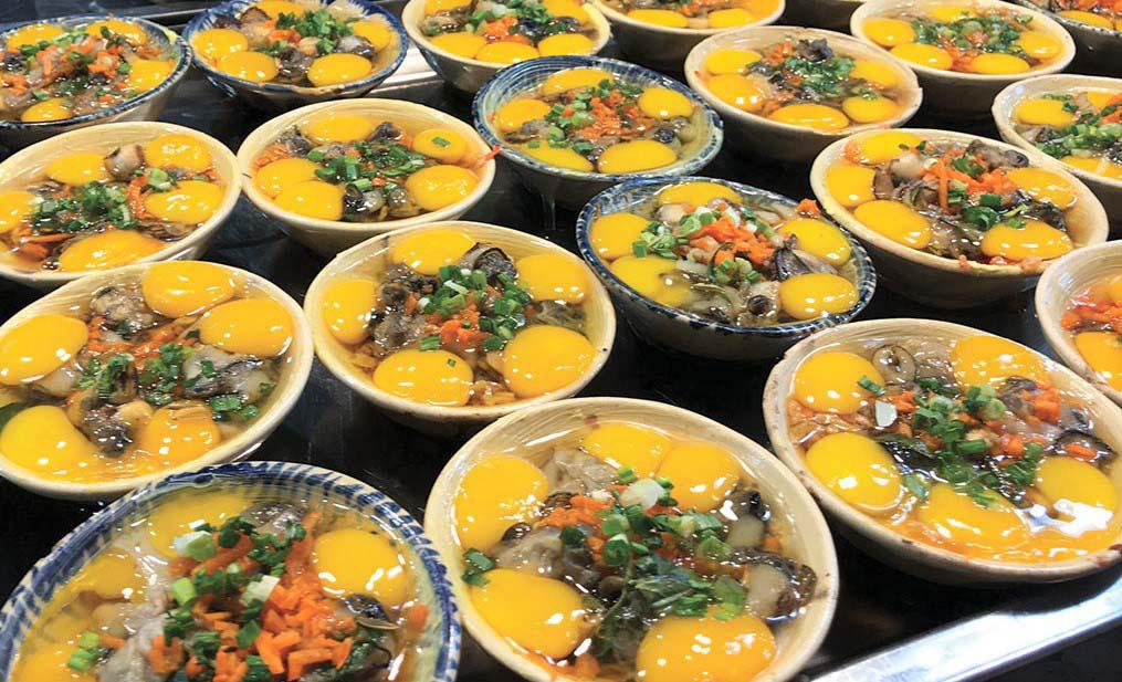 """Du lịch Phú Quốc: Ẩm thực """"chén"""" đặc trưng chỉ có ở chợ đêm 9"""