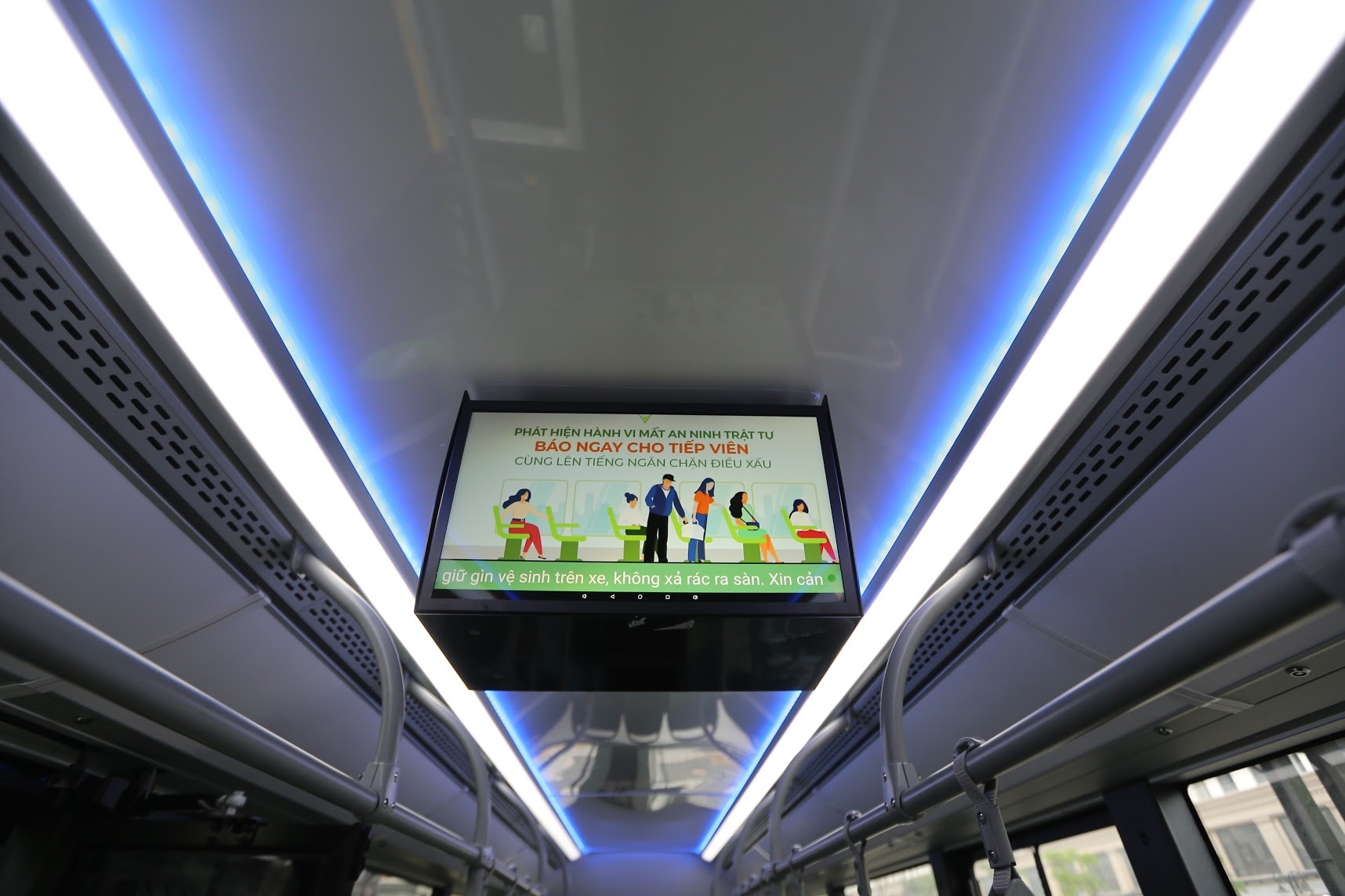 VinBus chính thức vận hành xe buýt điện thông minh đầu tiên tại Việt Nam 4