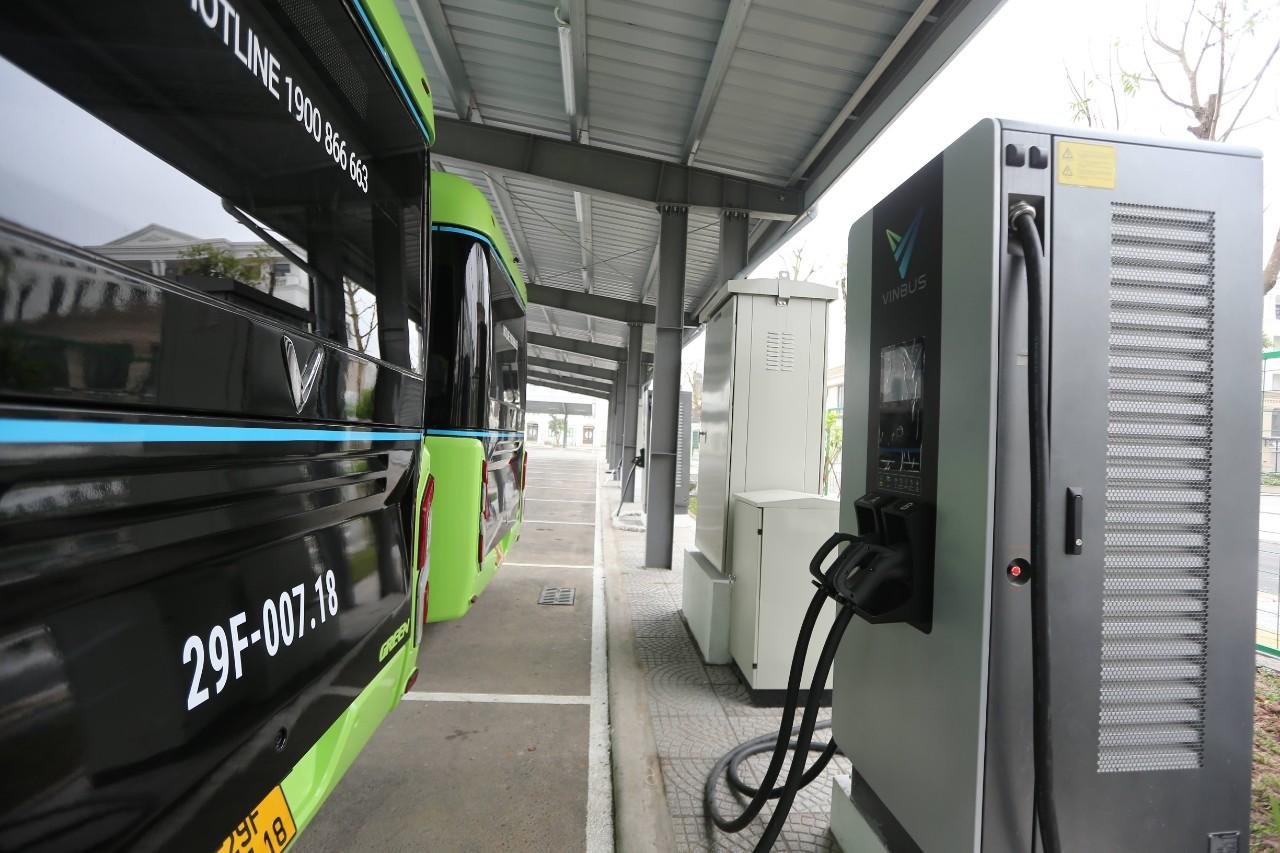 VinBus chính thức vận hành xe buýt điện thông minh đầu tiên tại Việt Nam 7