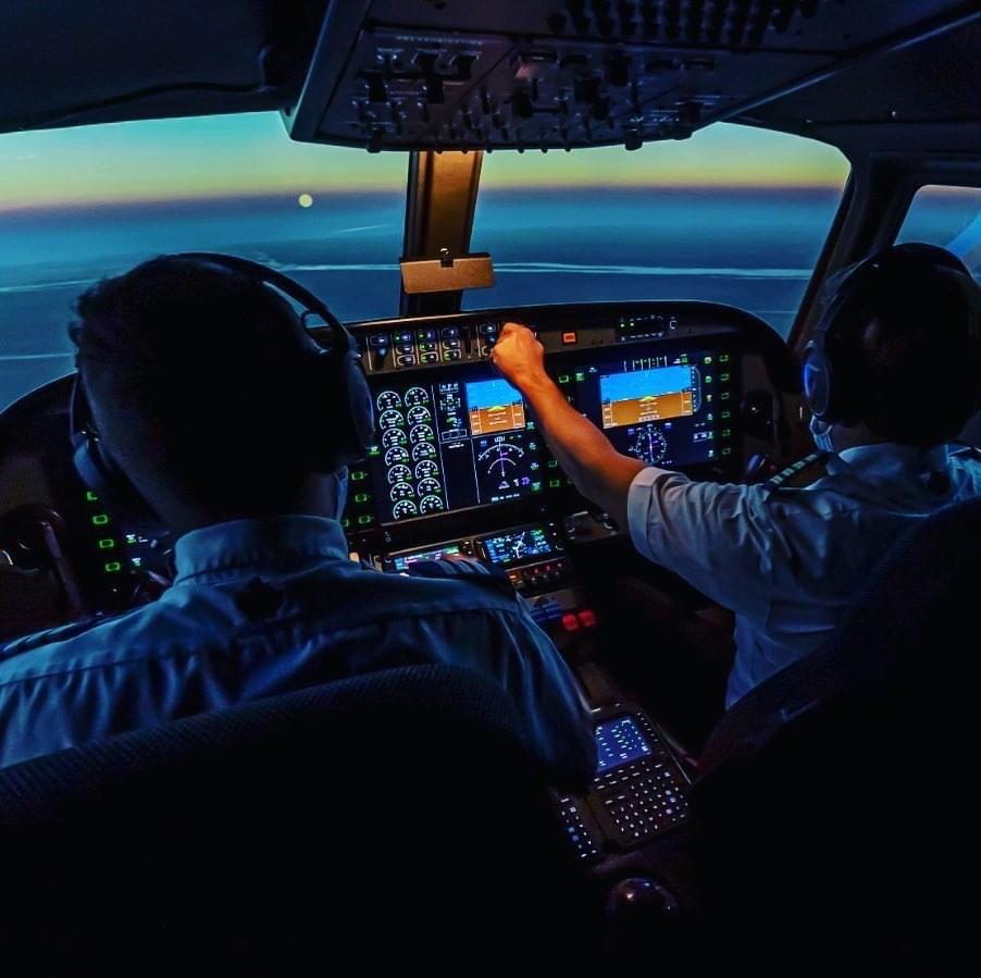 Vì sao học phi công ở Canada và ở lại định cư thu hút các bạn trẻ Việt? 16