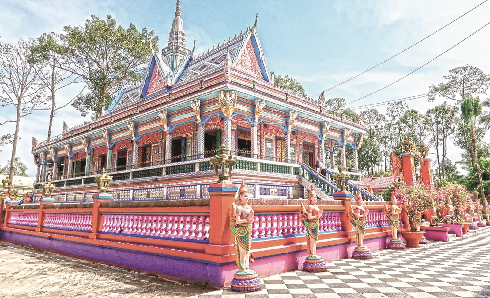 Hút khách về miền Tây Bắc hè này, Lào Cai tung loạt ưu đãi khủng tới 70% 10