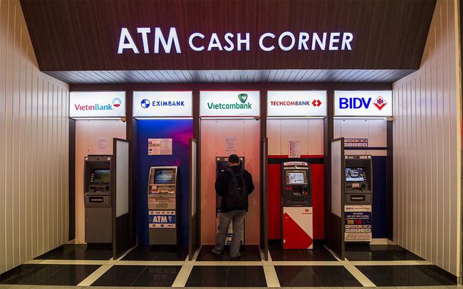 Khối ngân hàng tư nhân đã vượt xa khối ngân hàng nhà nước ở hầu hết chỉ tiêu 1