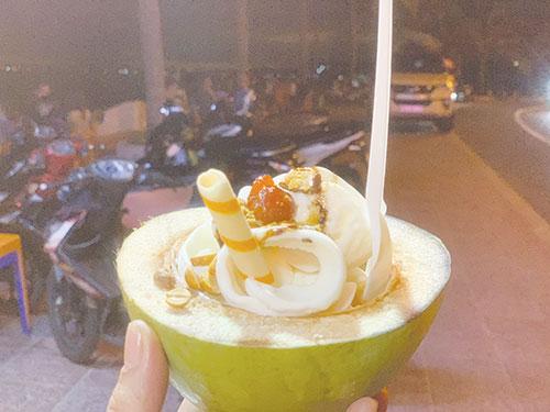 Phố kem dừa ở Đá Ông Địa 1