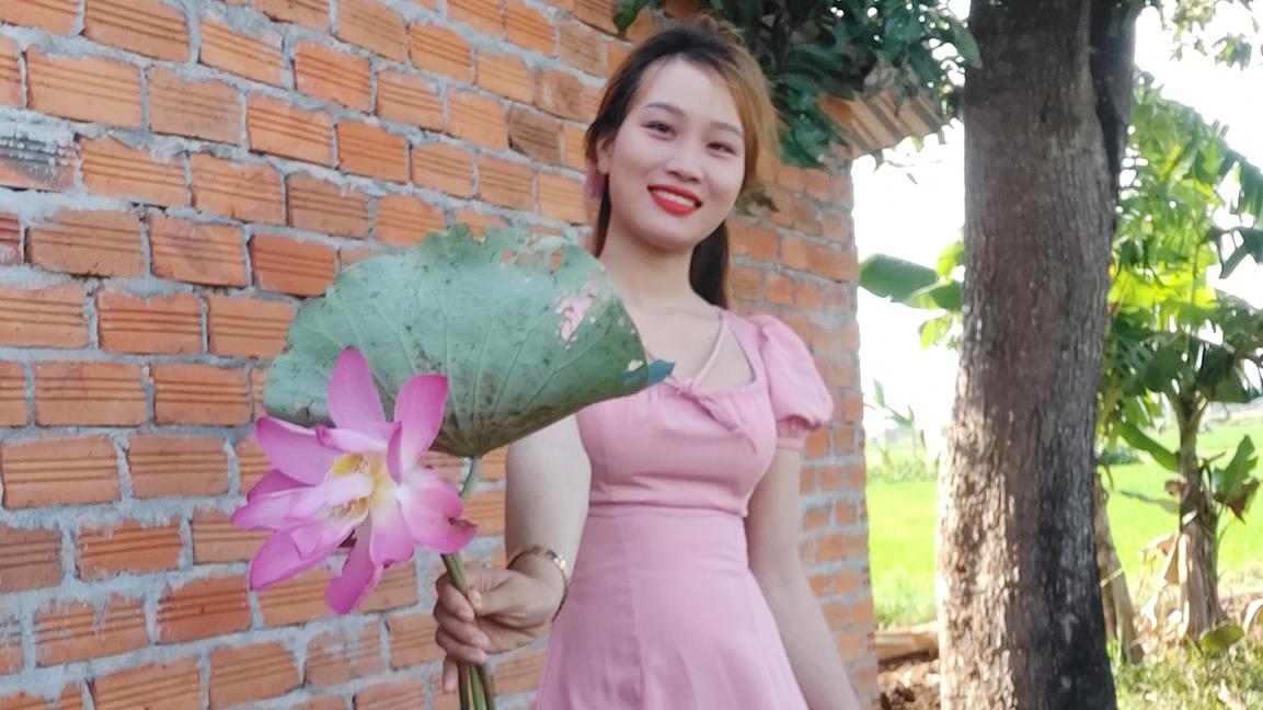 Cô gái trẻ kiếm hàng chục triệu mỗi tháng nhờ 'bonsai mười giờ thắt bím' độc đáo 15