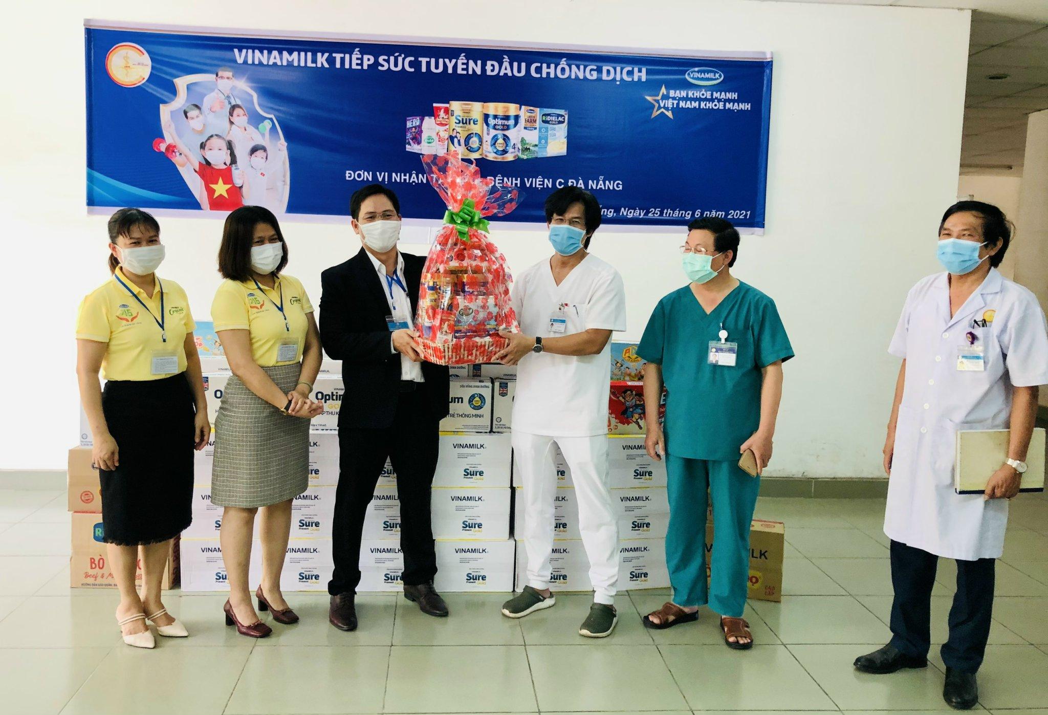 Hàng ngàn món quà dinh dưỡng từ Vinamilk gửi tặng đến các y bác sĩ, người thân trong ngày gia đình Việt Nam 6