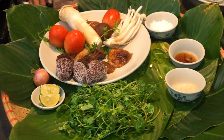Gà ri vàng rơm - Đặc sản nổi tiếng Uông Bí 11