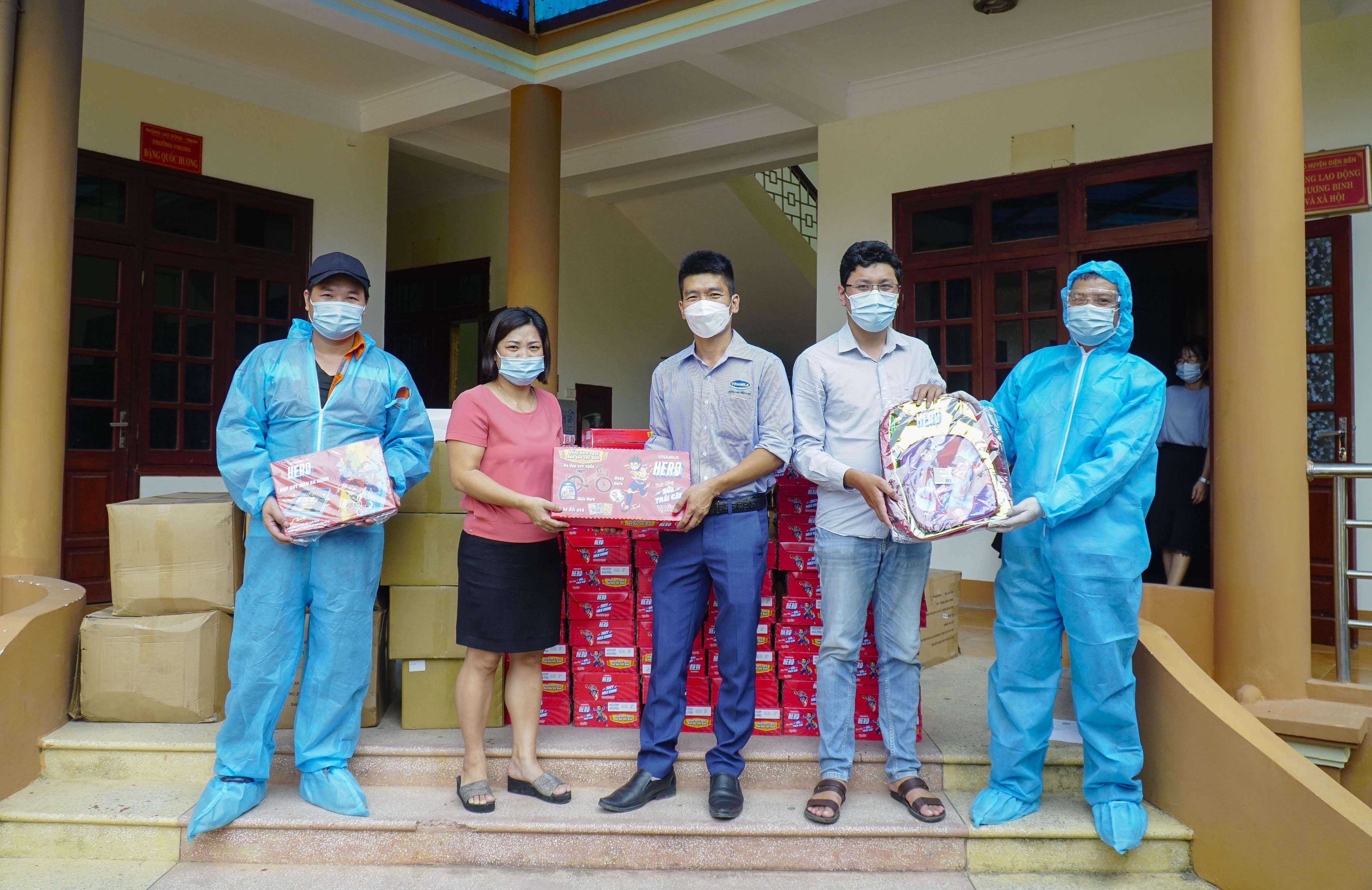 Quỹ sữa vươn cao Việt Nam và hành trình mang sữa đến với trẻ em Điện Biên giữa đại dịch 2