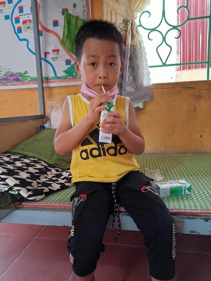 Quỹ sữa vươn cao Việt Nam và hành trình mang sữa đến với trẻ em Điện Biên giữa đại dịch 3