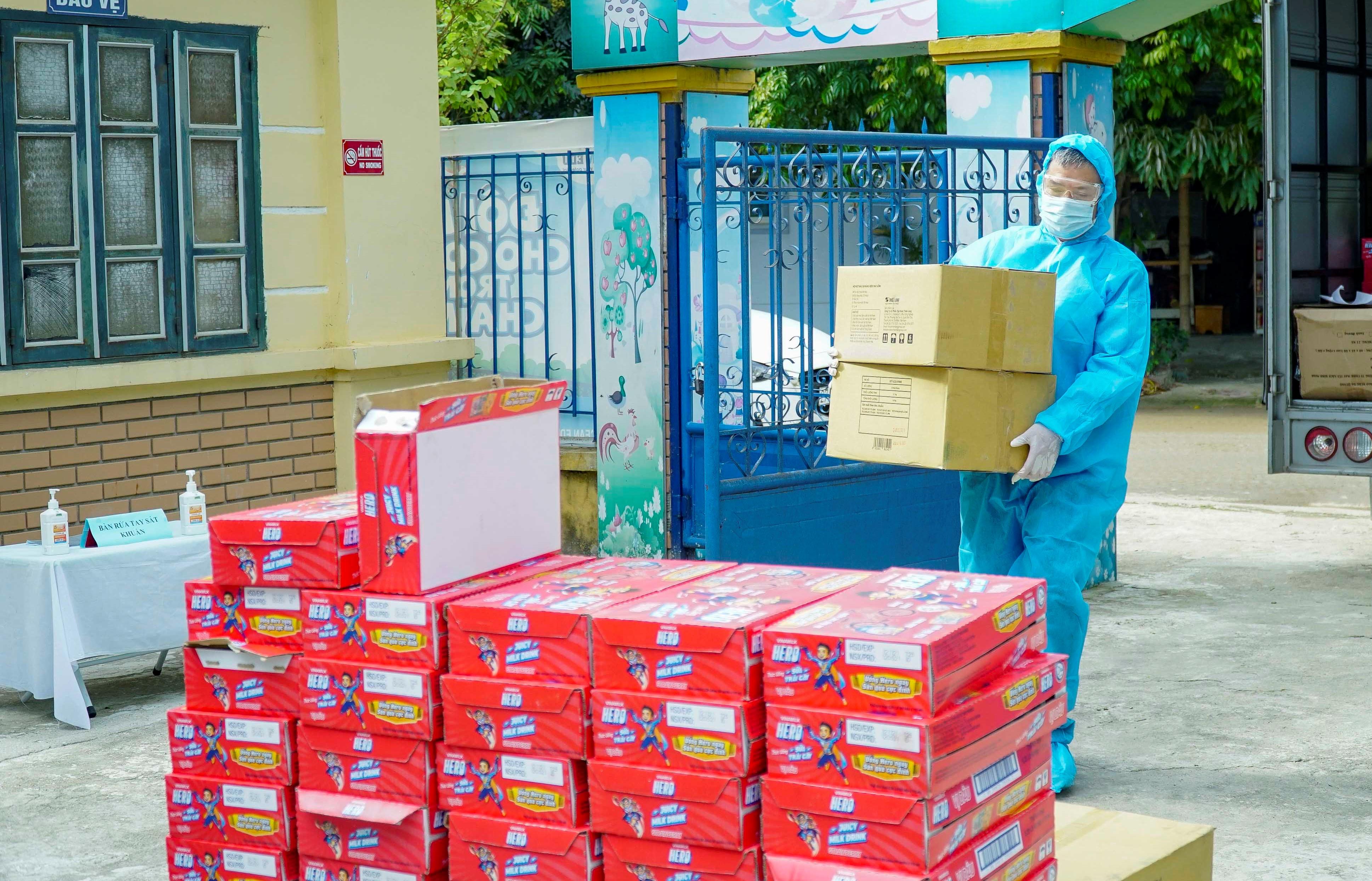 Quỹ sữa vươn cao Việt Nam và hành trình mang sữa đến với trẻ em Điện Biên giữa đại dịch 7
