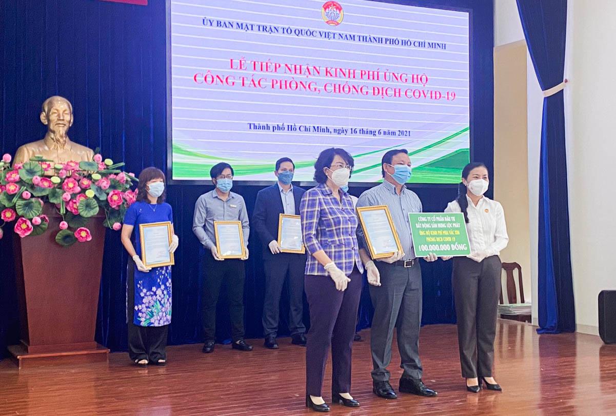 Bất động sản Hưng Lộc Phát ủng hộ 15 tấn gạo giúp người dân vượt qua khó khăn mùa dịch 4