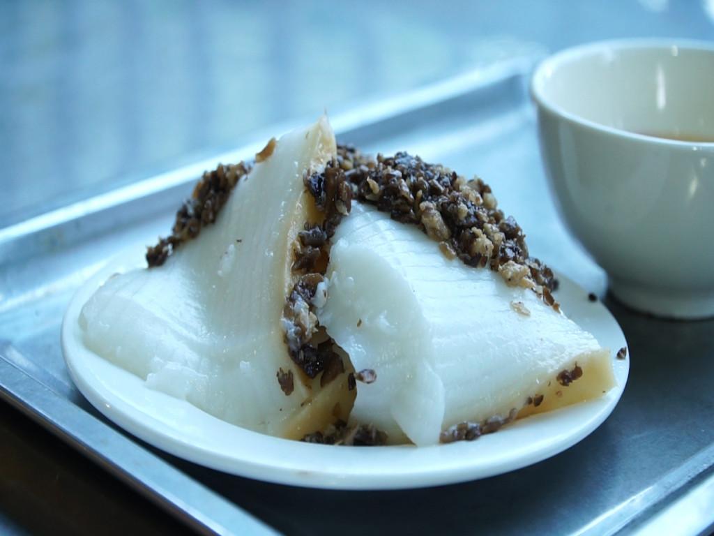Bánh đúc là món ăn quen thuộc của người dân các huyện miền Đông của tỉnh Quảng Ninh.