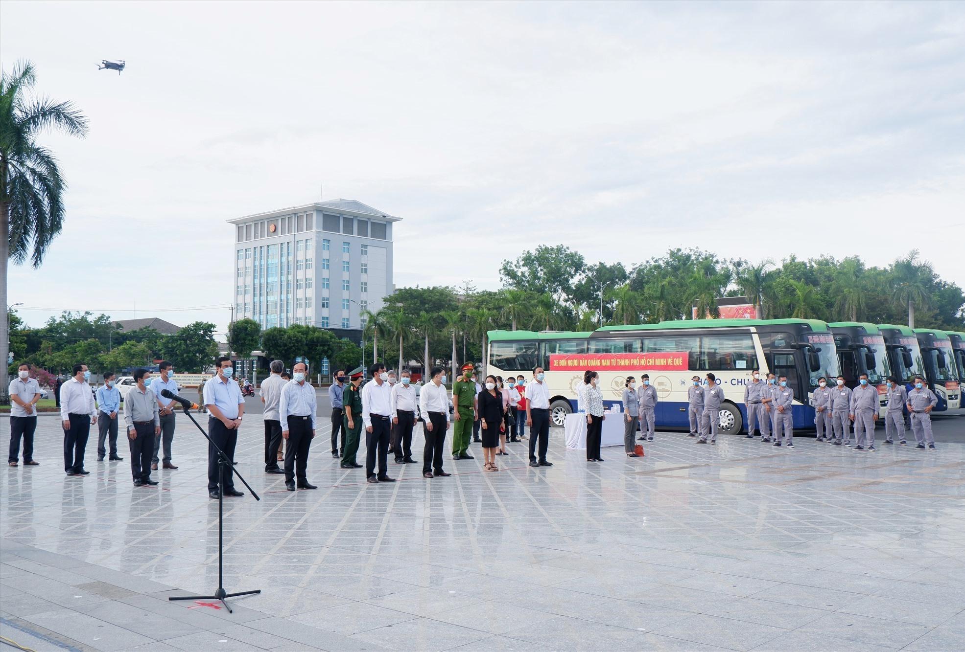 Khởi hành đoàn xe đón đồng hương Quảng Nam từ TP.Hồ Chí Minh về quê (clip) 3