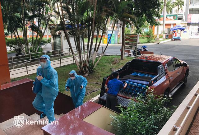 """""""Cha đẻ"""" ATM gạo cho ra đời ATM Oxy và câu chuyện bình oxy cứu sống một người cha ở Sài Gòn trong đêm 10"""