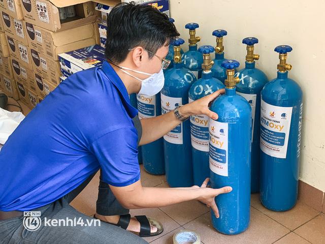 """""""Cha đẻ"""" ATM gạo cho ra đời ATM Oxy và câu chuyện bình oxy cứu sống một người cha ở Sài Gòn trong đêm 13"""