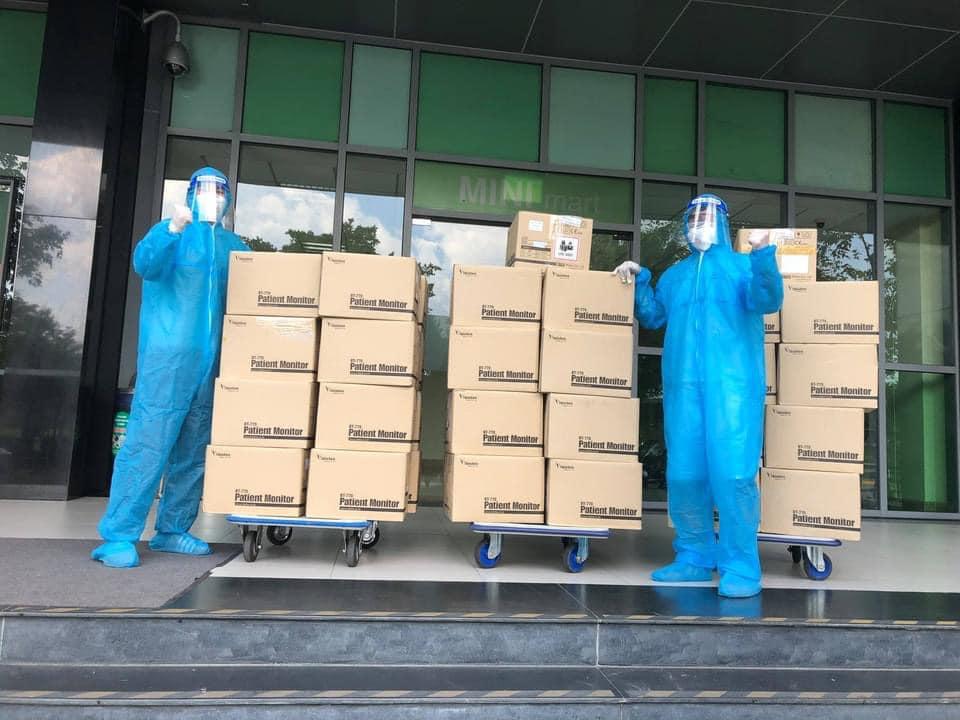 Đấu giá thành công đồng hồ 900 triệu, Hương Giang có hành động bất ngờ 4