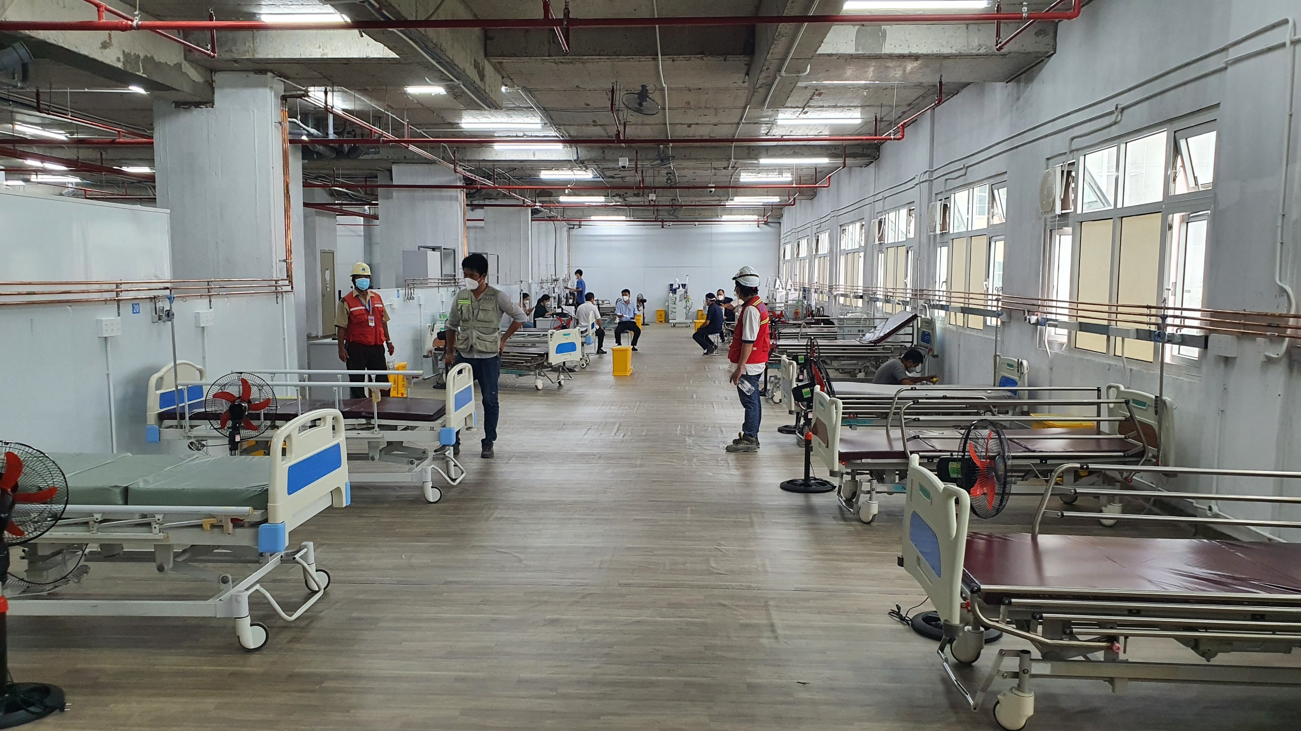 Hơn 20 ngày thần tốc cải tạo Trung tâm hồi sức tích cực người bệnh Covid -19 10