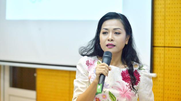 MC Dương Hồng Phúc: Từng thi hát để động viên con trai vượt qua căn bệnh hiếm gặp 16
